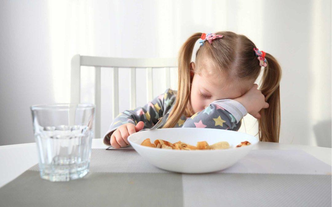 Mon enfant mange trop, ou pas assez ? Que faire ?